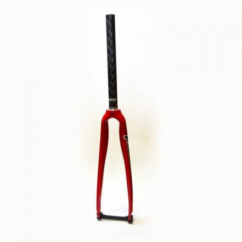 Карбонова вилка Focus Carbon red